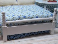 Bed Double painted white with blueberry comforter