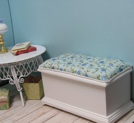 Bench padded blueberry fabric