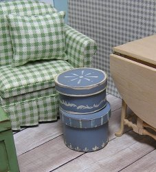 Boxes 2 Round Primitive painted